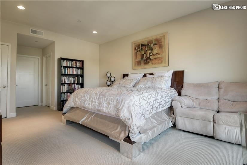 image 15 furnished 3 bedroom Townhouse for rent in North Hollywood, San Fernando Valley
