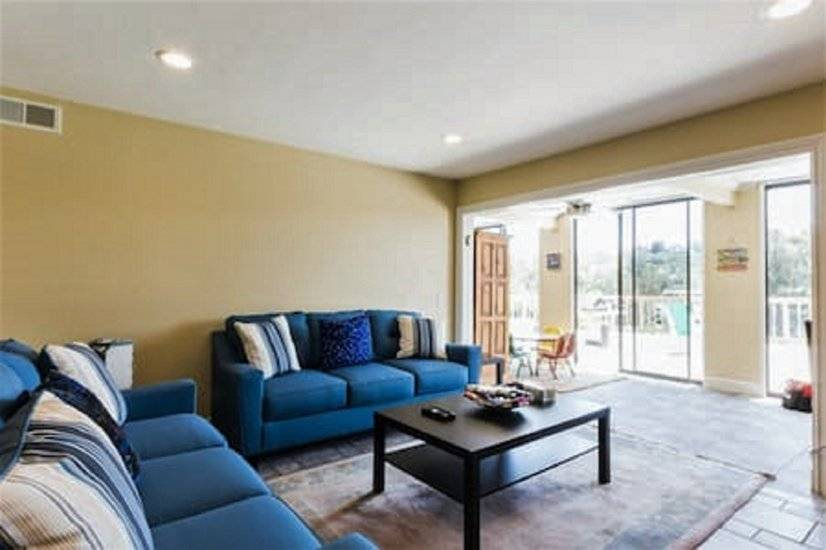 image 2 furnished 3 bedroom Townhouse for rent in Laguna Niguel, Orange County