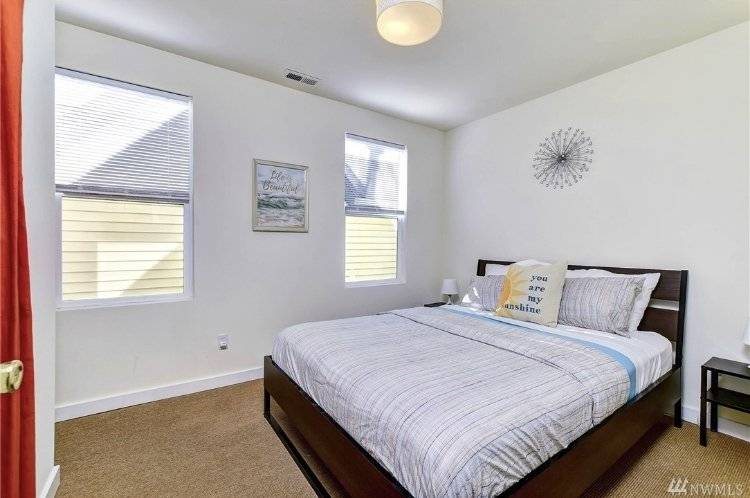image 8 furnished 2 bedroom Townhouse for rent in Capitol Hill, Seattle Area