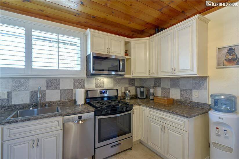 Appliances and new cabinets