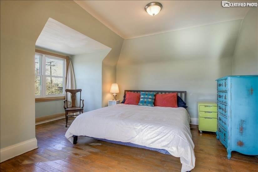 Upstairs - king size tempurpedic bed