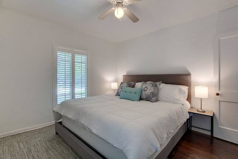 Guest Bedroom (Lights with plug within base)