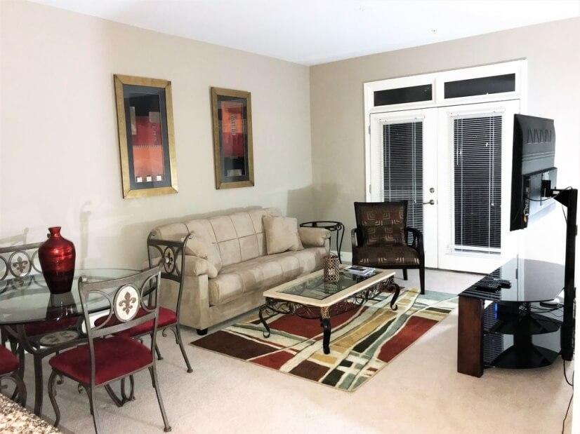 Livingroom w/ Sofa Sleeper