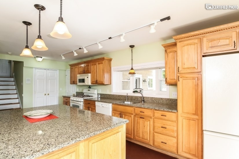 image 10 furnished 4 bedroom House for rent in East Haddam, Middlesex County