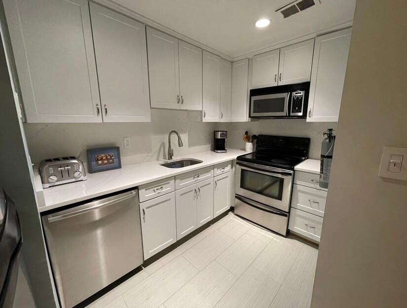 Kitchen with Quartz counter tops