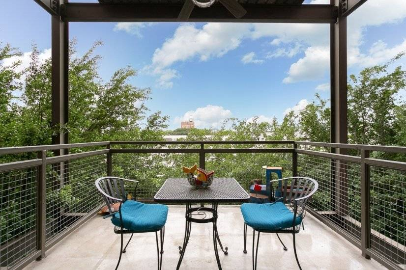 Private balcony 2with treetop feel