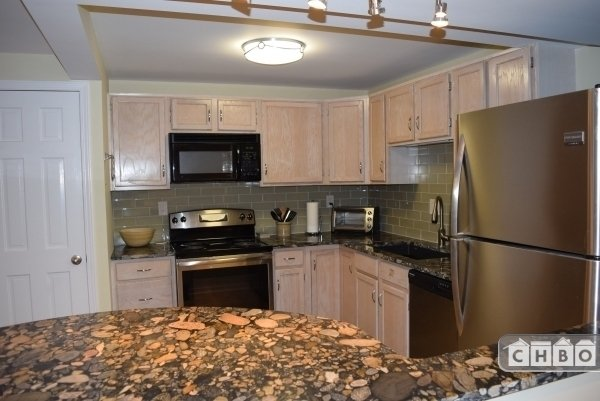 Large Fully Appointed Kitchen