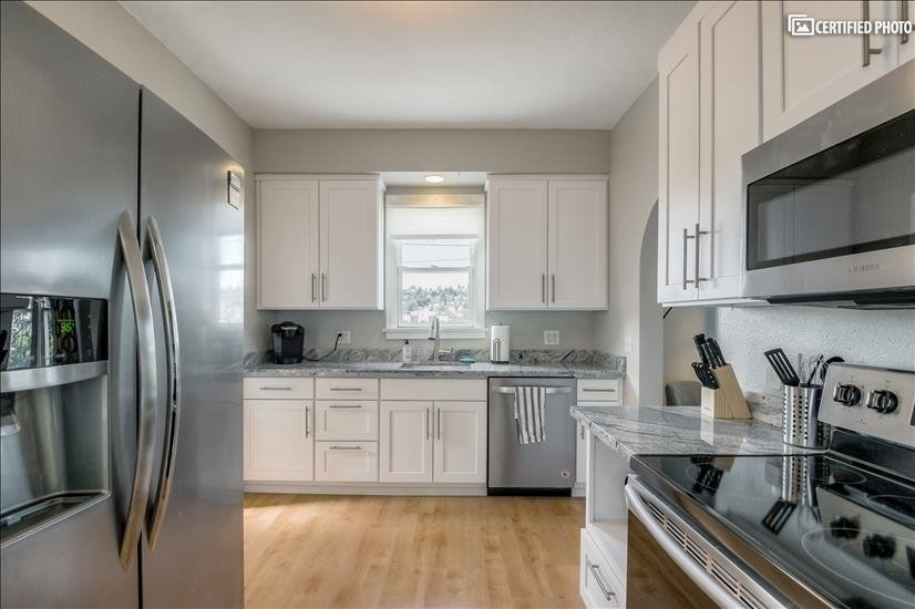 image 10 furnished 3 bedroom Townhouse for rent in Queen Anne, Seattle Area