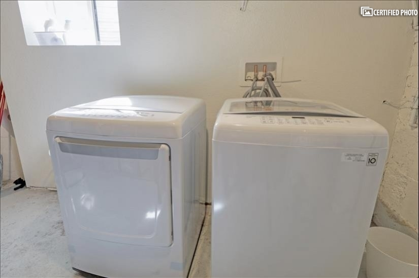 Washer Dryer in Basement