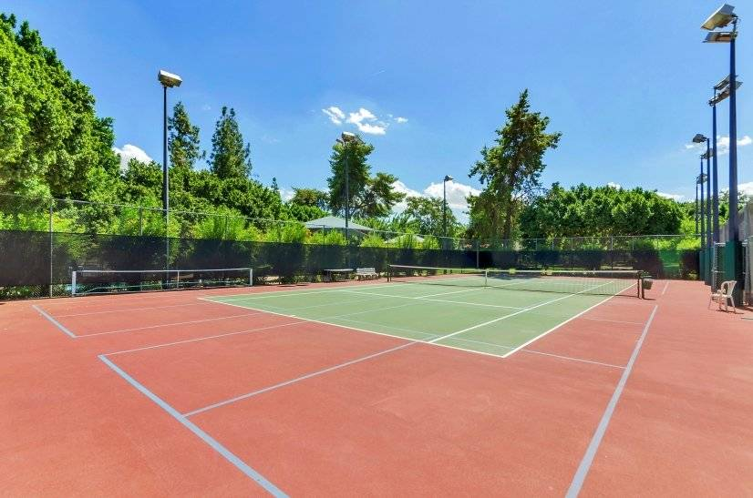 Free Guests Access To The Tennis Court