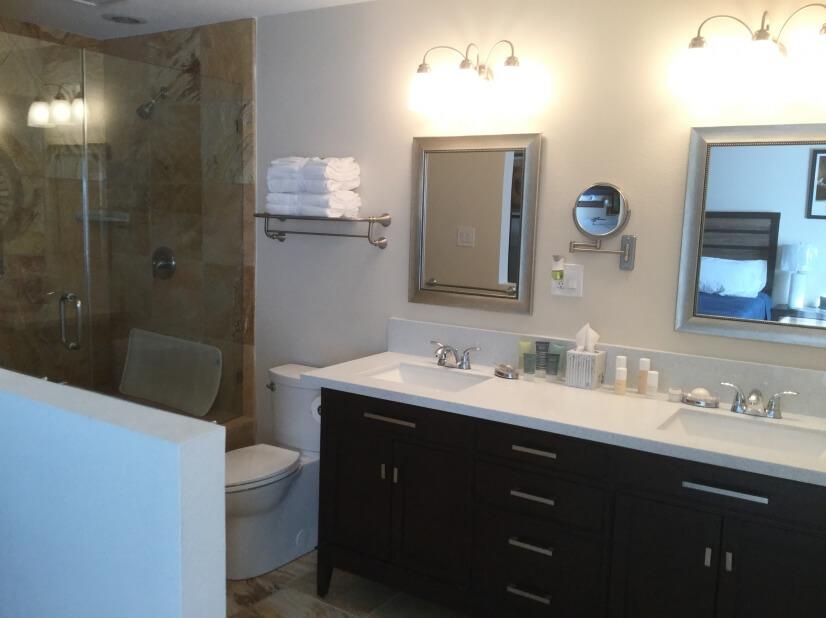 Master bath - dual sinks, large oversized tub area