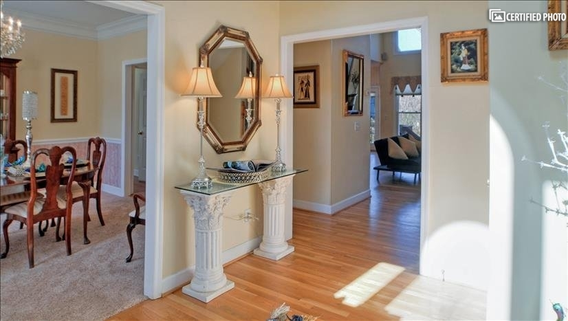 Formal dinning room located directly off of the foyer
