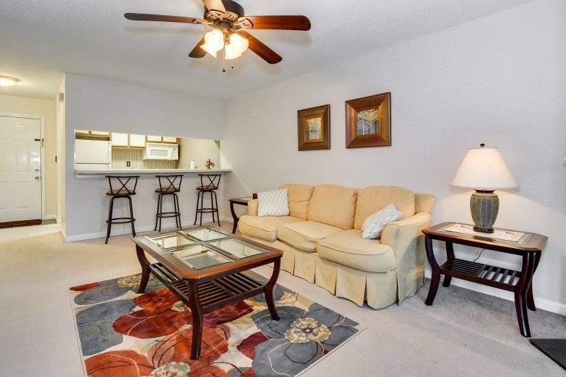 image 2 furnished 1 bedroom Townhouse for rent in Richmond (Augusta), Classic South