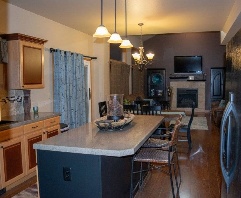 Kitchen opens up to the dinning room and great space