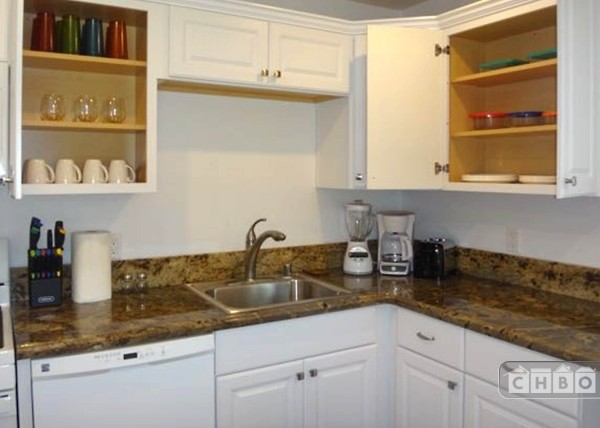 image 2 furnished 2 bedroom Apartment for rent in Pacific Beach, Northern San Diego