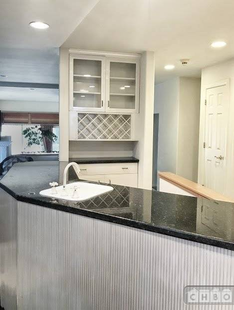 image 2 unfurnished 5 bedroom House for rent in Saratoga, Santa Clara County