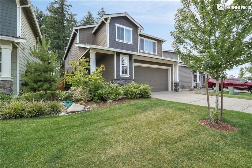 image 3 furnished 4 bedroom House for rent in Puyallup, Seattle Area