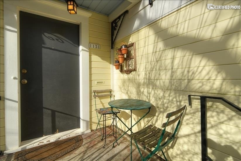image 3 furnished 1 bedroom Townhouse for rent in Portland Southeast, Portland Area