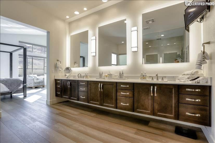 Master Bath Special  Studio lighting, Double sinks, TV