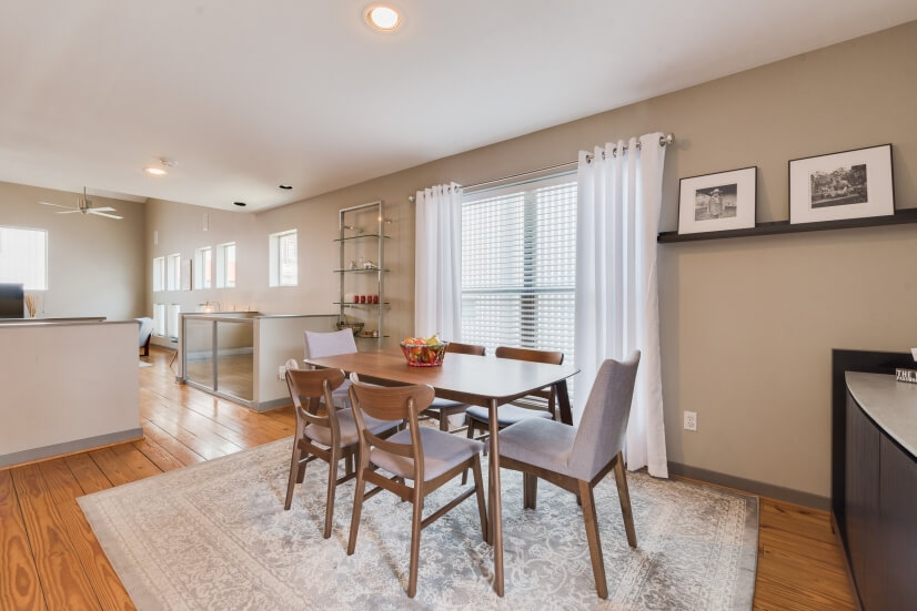 image 9 furnished 2 bedroom Townhouse for rent in Midtown, Inner Loop
