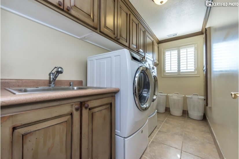 3rd floor laundry room for convenience also with a view!