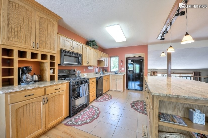 image 10 furnished 3 bedroom House for rent in Other Washington County, Twin Cities Area
