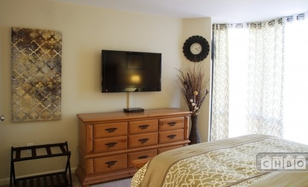 Master Bedroom with HD TV, Cable and Blu-Ray