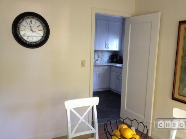 image 6 furnished 2 bedroom Townhouse for rent in Burlingame, San Mateo (Peninsula)