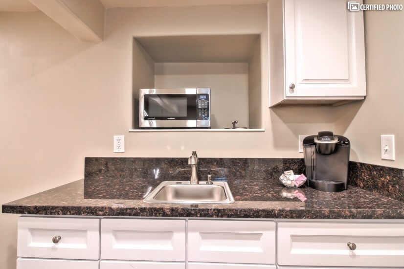Kitchenette furnished rental