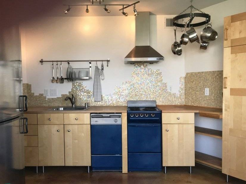 Fully equipped, European-style kitchen