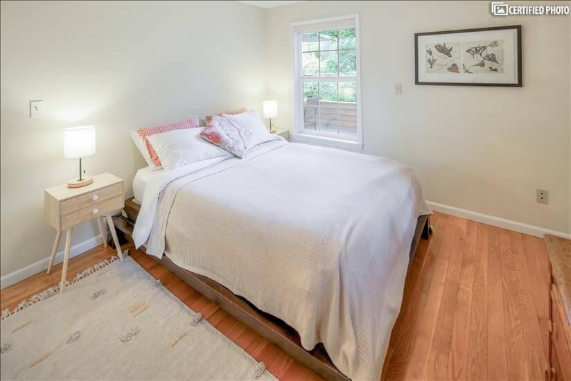 image 20 furnished 3 bedroom House for rent in Portland Southwest, Portland Area