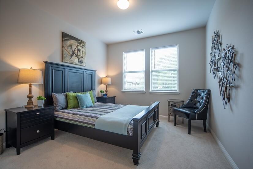 Upstairs Bedroom with Queen Bed.