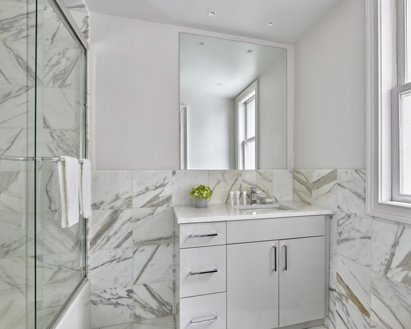 Platinum One-bedroom Bathroom