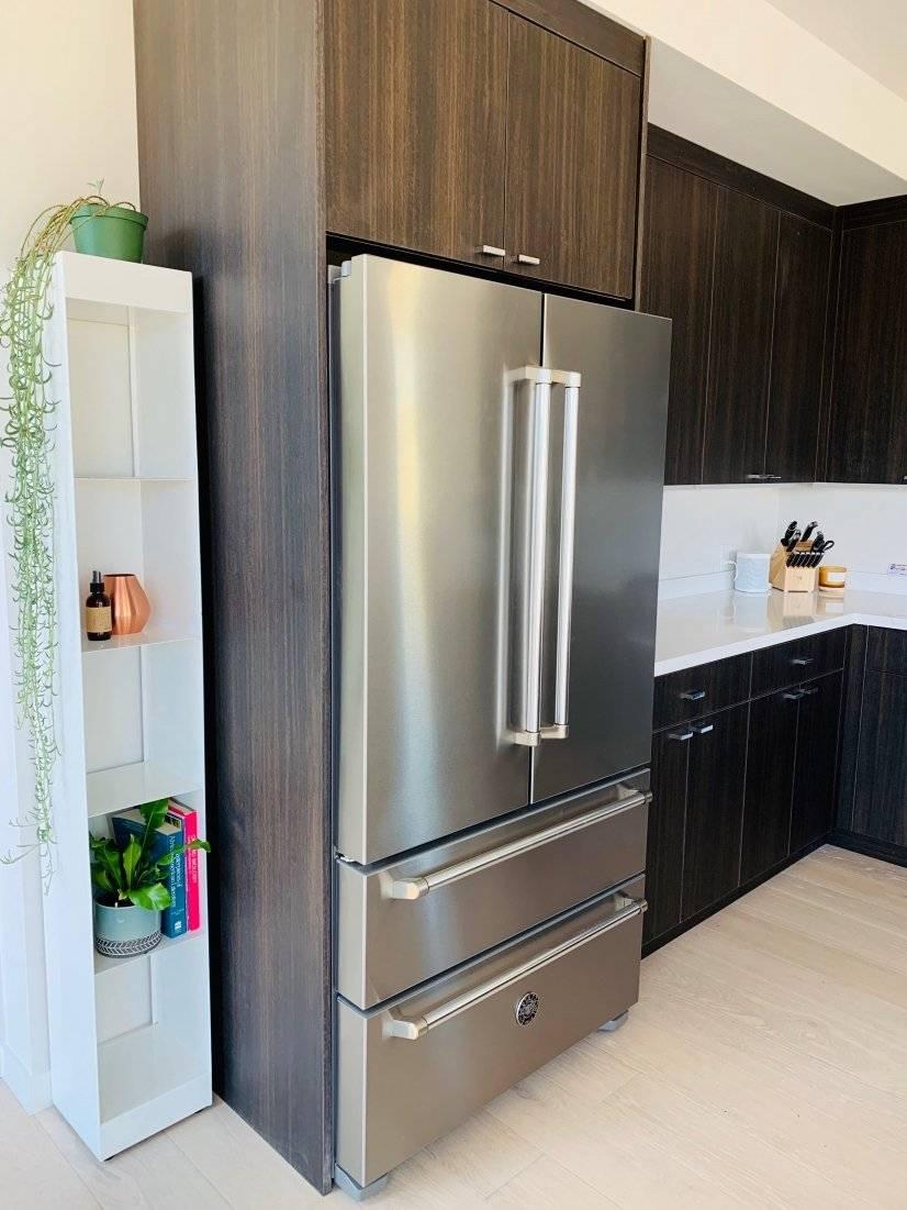 Italian appliances throughout and plentiful kitchen storage