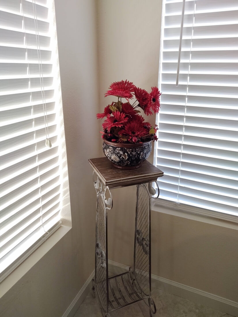 Dining room accent piece