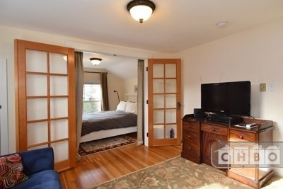 image 2 furnished 1 bedroom Townhouse for rent in Fremont, Seattle Area