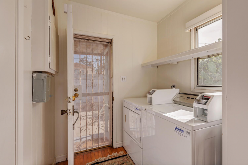 image 9 furnished 3 bedroom Townhouse for rent in Mid City, Metro Los Angeles