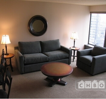 image 1 furnished 1 bedroom Townhouse for rent in Near North, Downtown