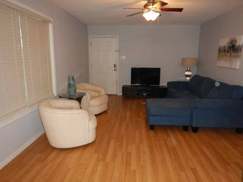 image 2 furnished 2 bedroom Townhouse for rent in North Shoal Creek, Central Austin
