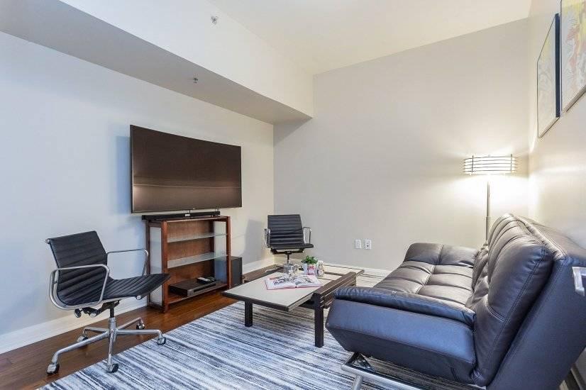 Den area - quiet & comfortable