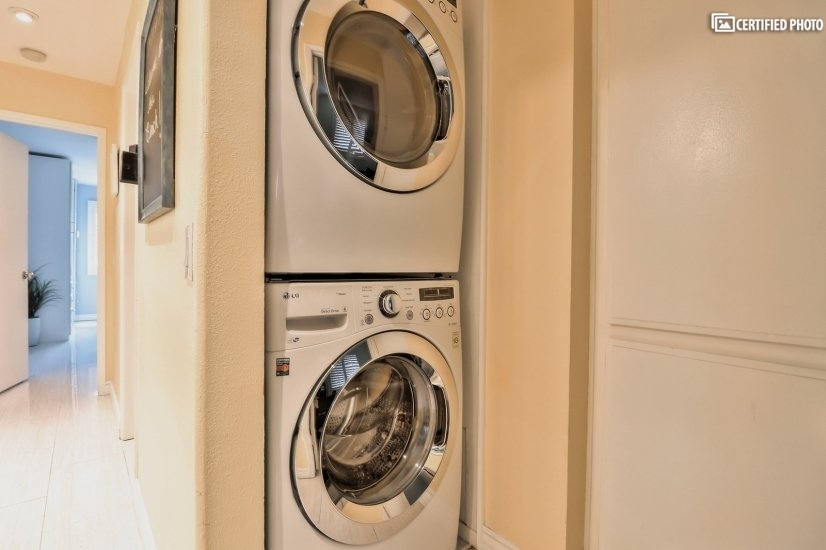 Large capacity washer and dryer in unit