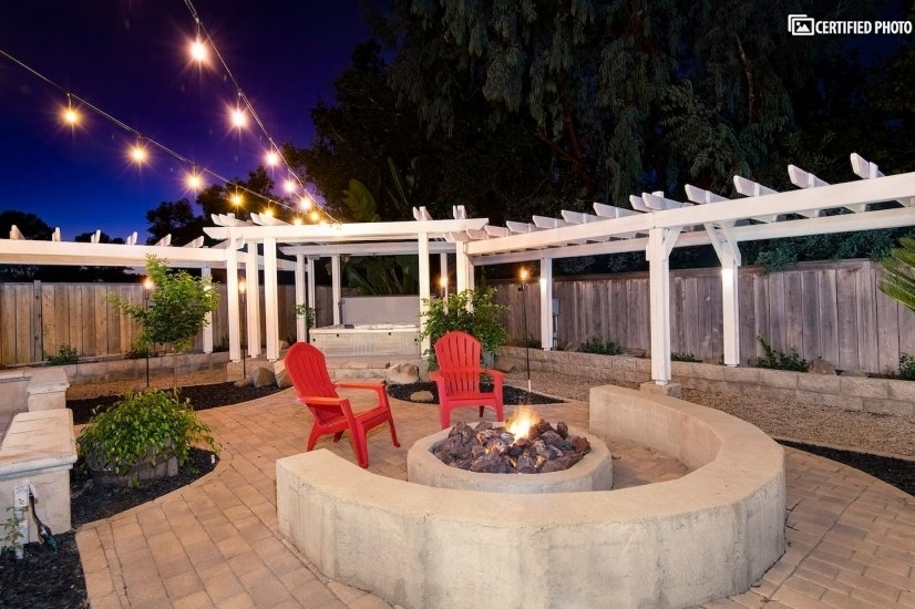 Beautiful backyard - perfect for unwinding after a long day!