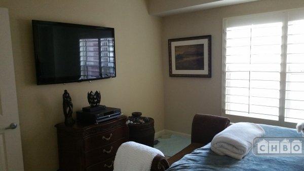 Master Bedroom/Flat Screen TV