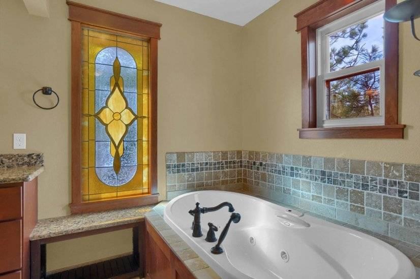 Deep tub with aqua therapy lights