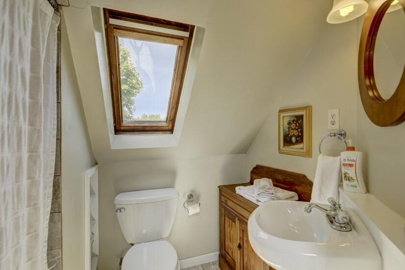 image 20 furnished 3 bedroom House for rent in Highland, Denver Northwest