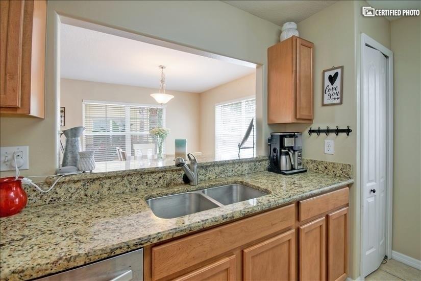 image 10 furnished 3 bedroom Townhouse for rent in Lakeland, Polk (Lakeland)