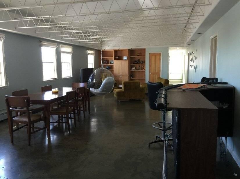 image 4 furnished 3 bedroom Townhouse for rent in Baker, Denver Central