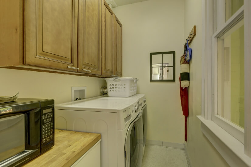 image 15 furnished 3 bedroom House for rent in Highland, Denver Northwest