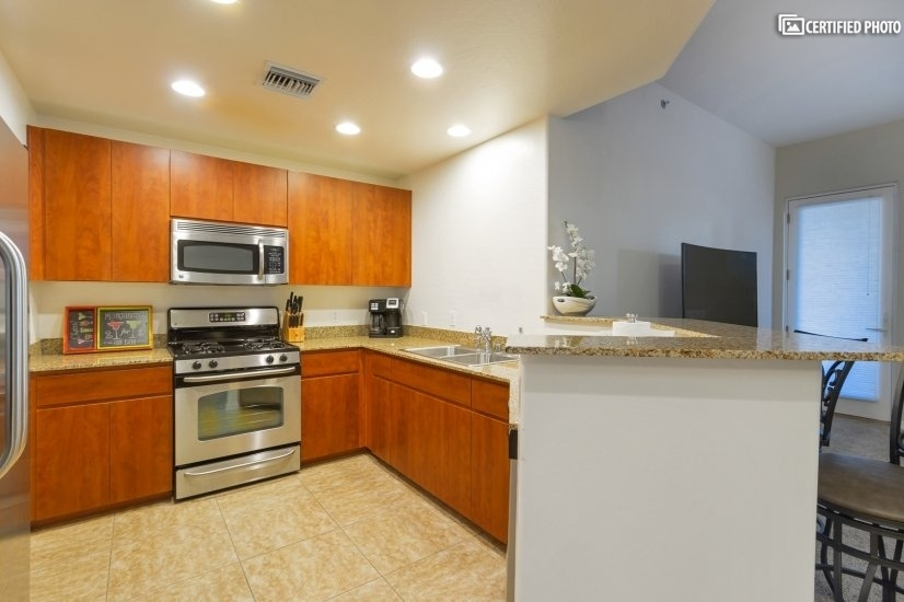 image 10 furnished 2 bedroom Townhouse for rent in Phoenix Central, Phoenix Area