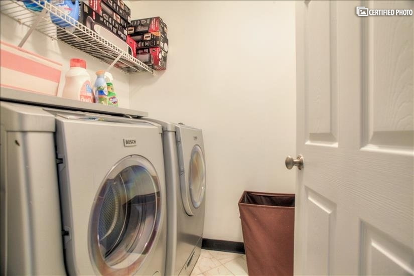 Full Size Washer / Dryer